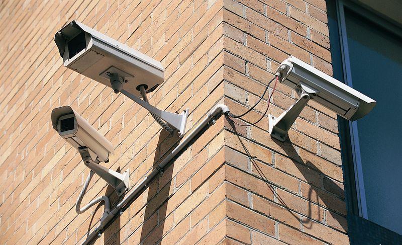 Монтаж системы видеонаблюдения